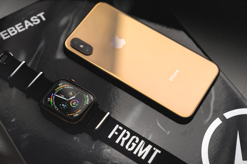huge selection of 88d45 777fc Apple Watch Series 4/iPhone Xs Gold Closer Look | HYPEBEAST