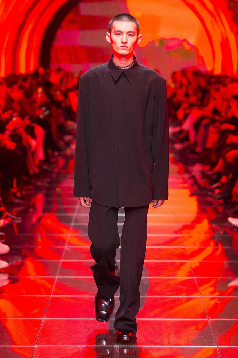 balenciaga runway spring 2019 collection paris fashion week men women demna gvasalia suit shoulder sneaker track dress logo