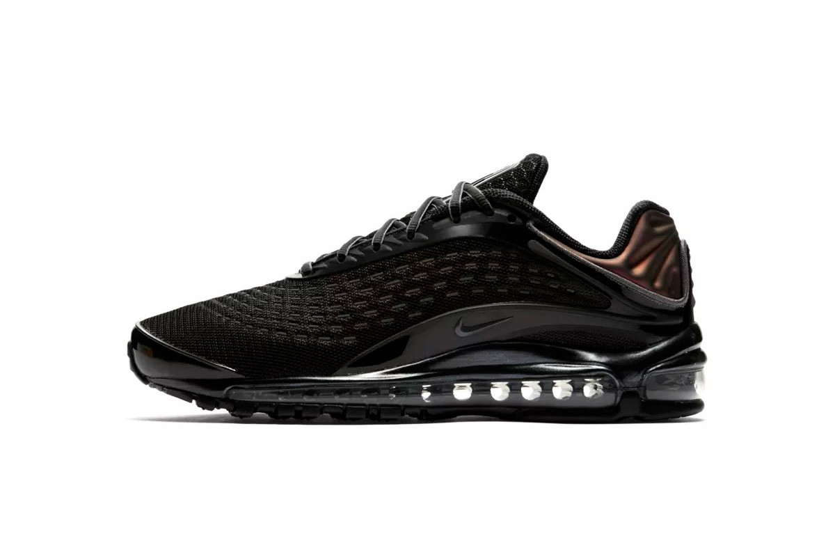 "49a91c913 Nike Air Max Deluxe ""Triple Black""   ""Triple White"""
