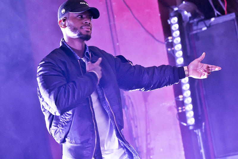 bryson tiller drake finesse scorpion 2018 music stage concert performance hat bomber jacket