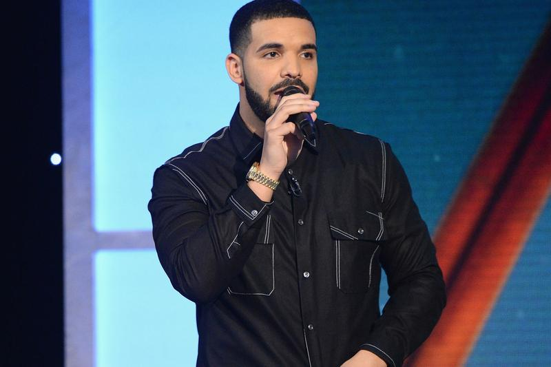 """Drake Brings out Meek Mill in Philadelphia to Perform """"Dreams and Nightmares"""" concert beef diss Aubrey and the Three Amigos"""
