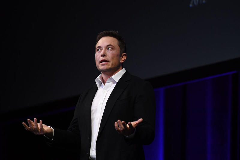 Elon Musk Thailand Rescue Diver Child Rapist BuzzFeed Vernon Unsworth Tham Luang cave complex Emails