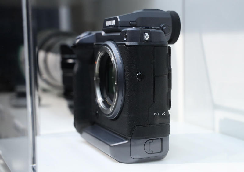 Fujifilm GFX 100 Medium Format Camera First Look Mirror Less Pricing Info Release Photokina 2018