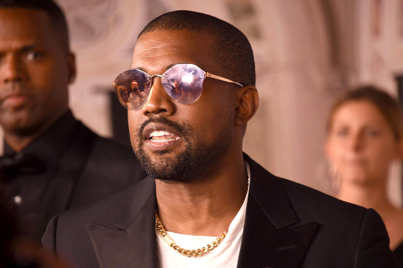 Kanye West Art Institute of Chicago American Academy of Art not teach art course false news