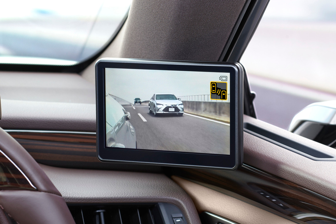 Lexus ES 2019 Replaces Side Mirrors With Cameras   HYPEBEAST