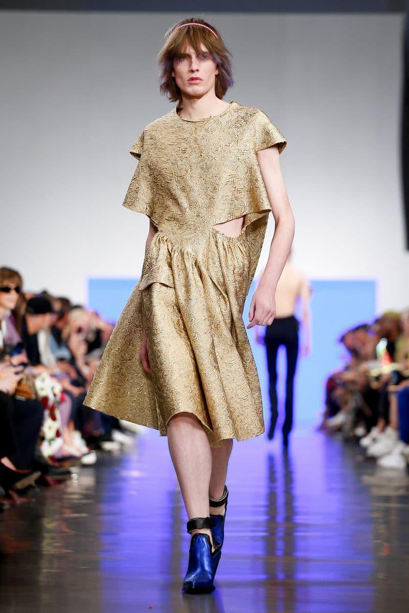 Maison margiela spring summer 2019 runway show presentation collection womens mens genderless john galliano martin iphone boots shoes bags