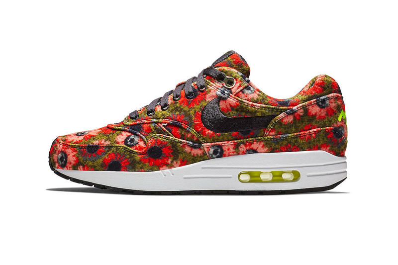 "687e9ca6eb44 ""Flash Crimson"" and ""Faded Spruce."" Nike Air Max 1"