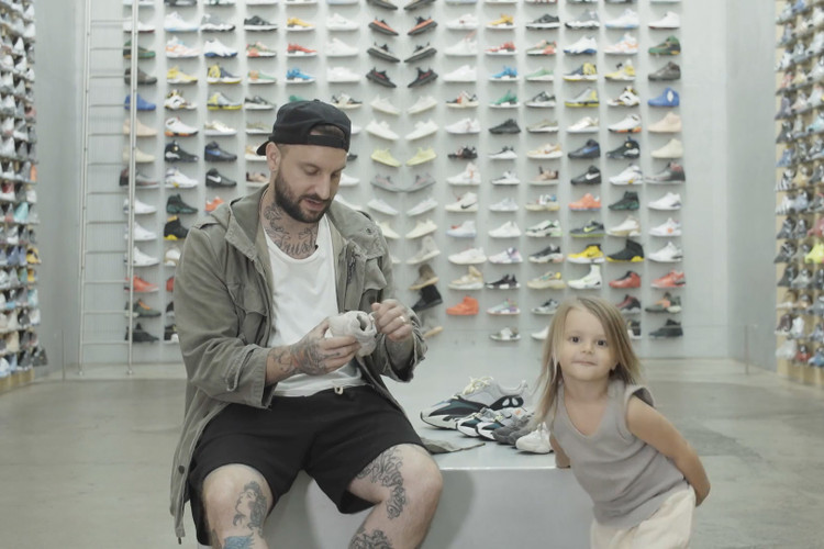 <h2><span>The Shoe Surgeon &amp; His Son Review Fake YEEZY Kid&#039;s Shoes</span></h2>
