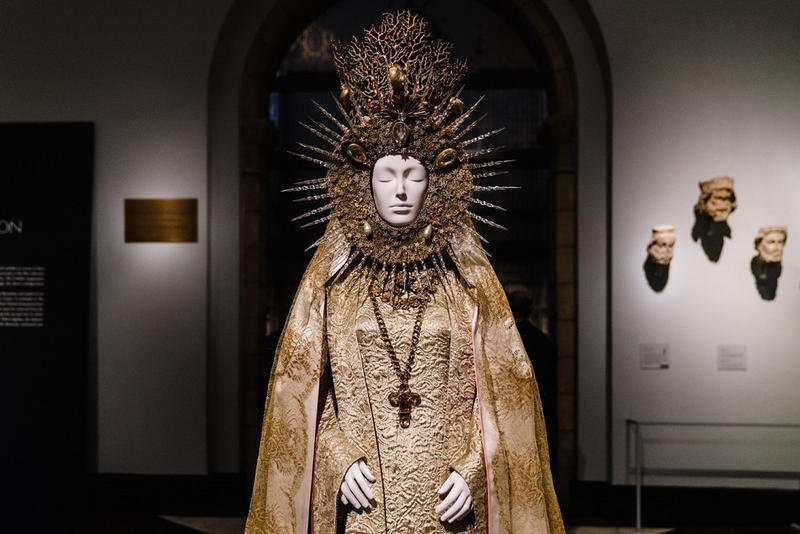 The Met Heavenly Bodies Exhibit Breaks Records 1 3 Million Visitors metropolitan museum of art new york city most visited costume institute most attended visitors