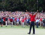 Tiger Woods Wins Tour Championship, First PGA Win in Five Years