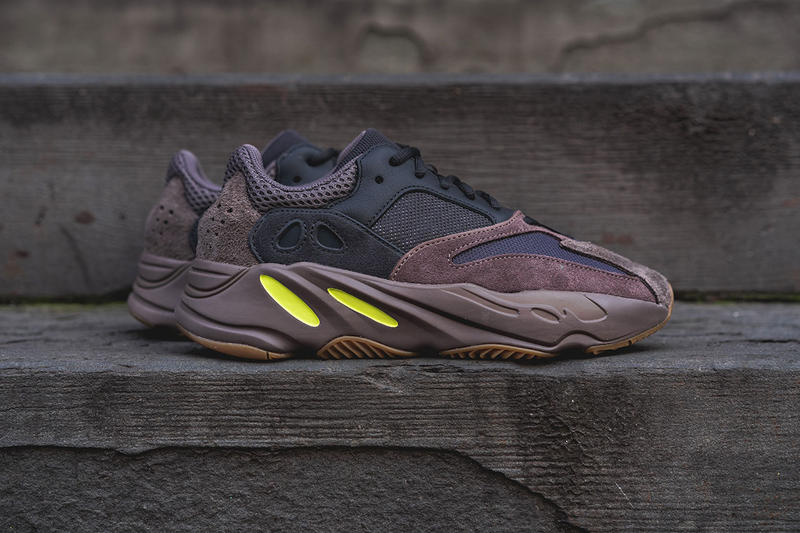 best loved 3e0f4 c9f3b adidas YEEZY BOOST 700