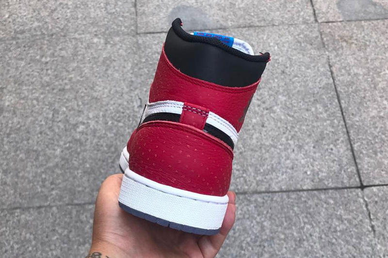 0226cca0dbbdf3 Air Jordan 1 Chicago Clear Sole Closer Look White red Black dots