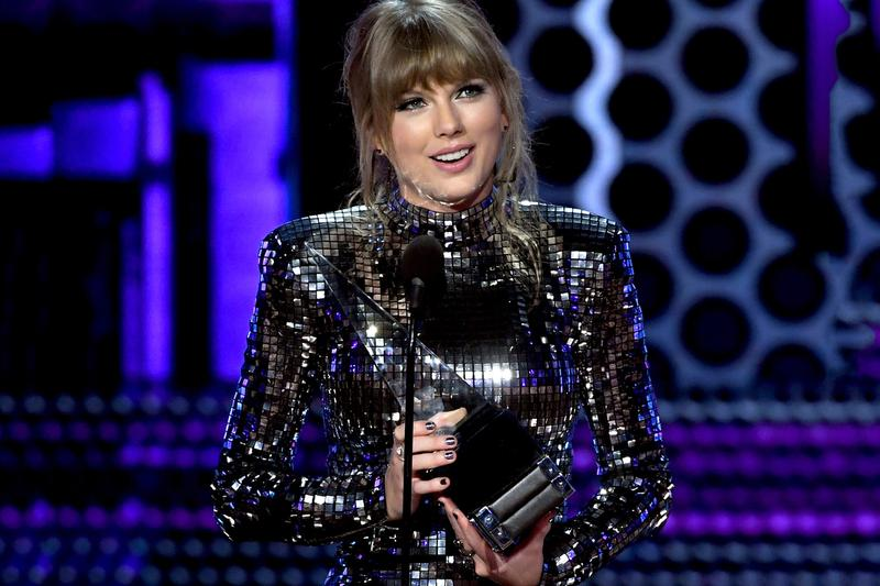 2018 AMAs Winners: Taylor Swift, Cardi B camila cabello young thug havana post malone migos xxxtentacion american music awards