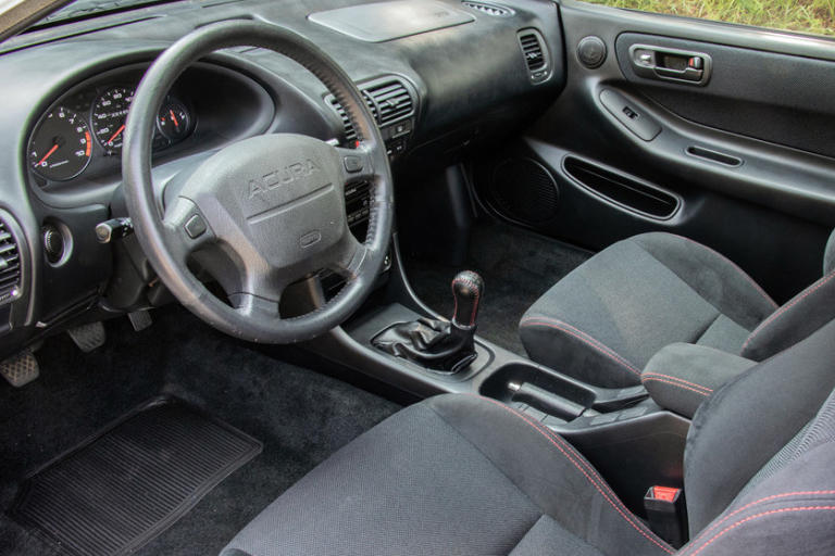 Barrett-Jackson Acura Integra Type R Auction JDM Championship White B18 B16a b18c engine DOHC VTEC Honda Integra DC2 DC5 EK9 EG6 FWD