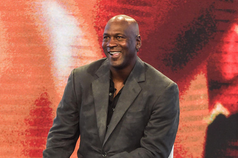Michael Jordan Invests in AXiomatic Gaming basektball Jordan Esports Magic Johnson venture capital startcraft team liquid razer computer games professional gaming PC Mac Walt Disney Co.