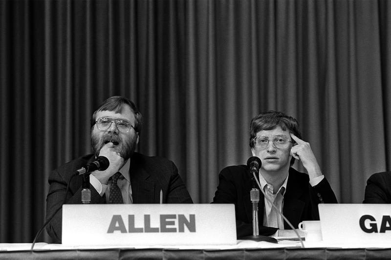 Paul Allen of Microsoft Passed Away Cancer Tech Bill Gates  Seattle CEO of Vulcan non-Hodgkin's lymphoma eattle Seahawks NFL Portland Trail Blazers NBA tech IBM