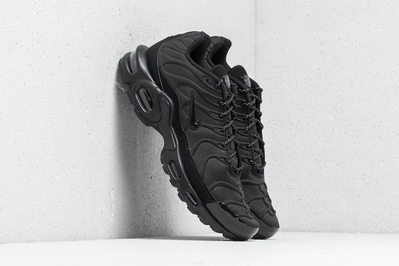 Nike Air Max Plus SE Triple Black Midnight Navy blue white premium suede  mudguard molded neoprene fd5e2b596