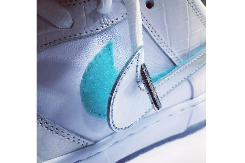 "Diamond Supply Co. Shares White ""Tiffany"" Nike SB Dunk sneakers"