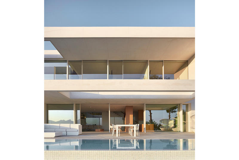 Oslo House Ramon Esteve Estudio Alicante Spain Architect Architecture Homes Houses White Sleek Modern Interior Exterior Swimming Pool Design