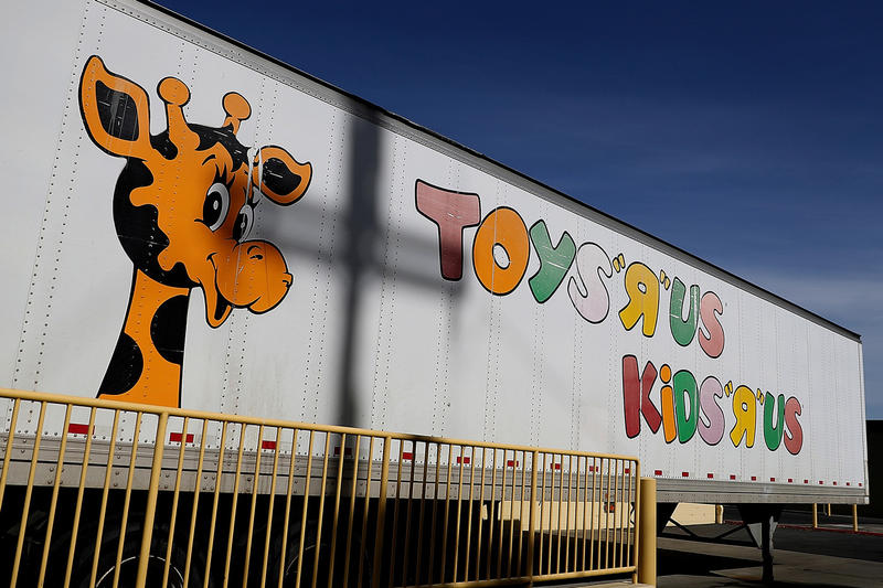 toys r us cancels bankruptcy bankrupt auction revival comeback october 2018 wall street journal lenders