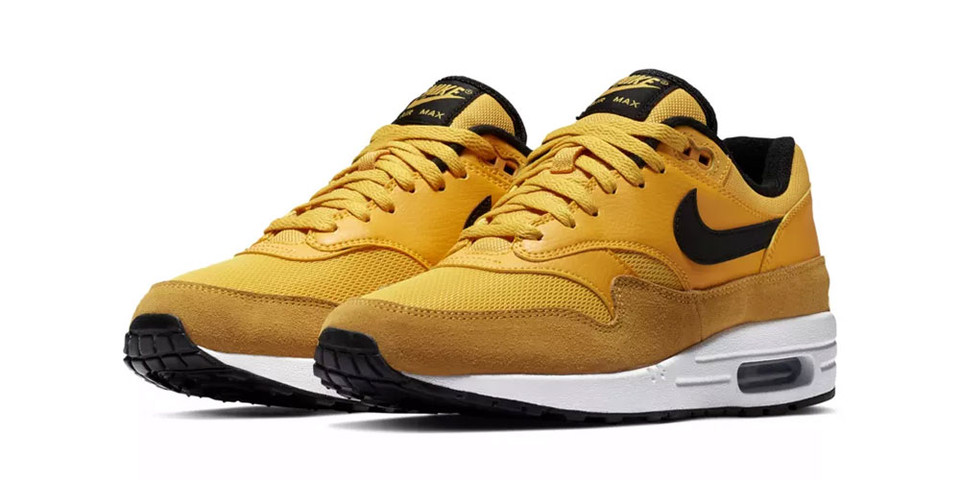 the latest 91f6d ff54c Nike Air Max 1 Premium