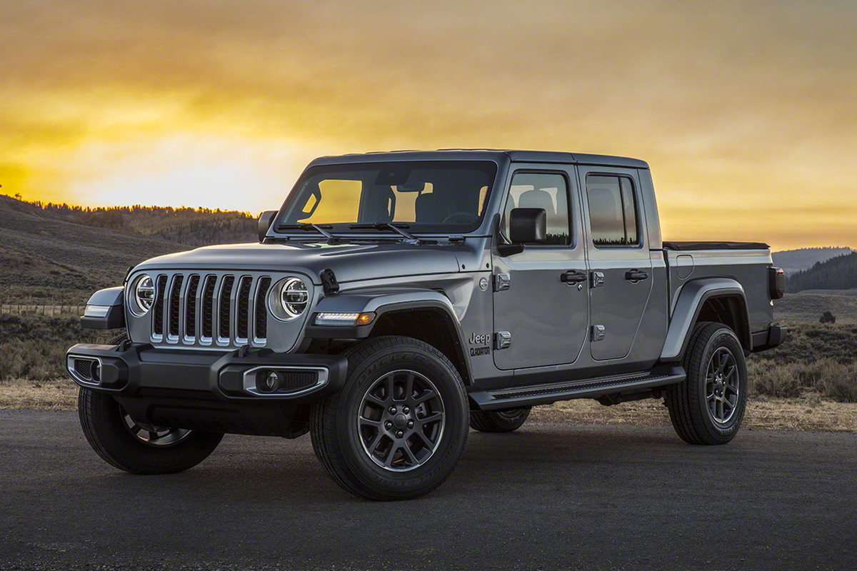 Jeep Debuts First Pickup Truck in Nearly Three Decades, the Gladiator