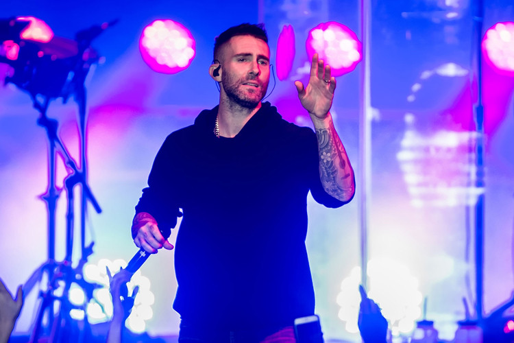 eba5ec87446c Thousands Petition Maroon 5 to Step down from Super Bowl Halftime Show
