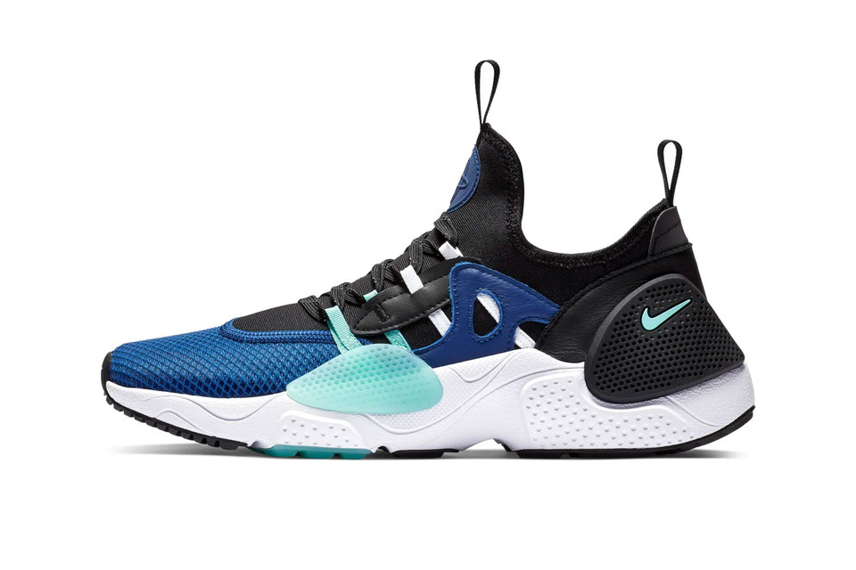 best sneakers 44ce6 db19e Take a First Look at the Nike Huarache E.D.G.E. TXT