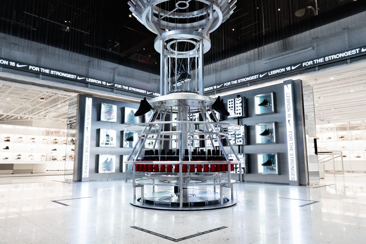 Nike House of Innovation 000 NYC
