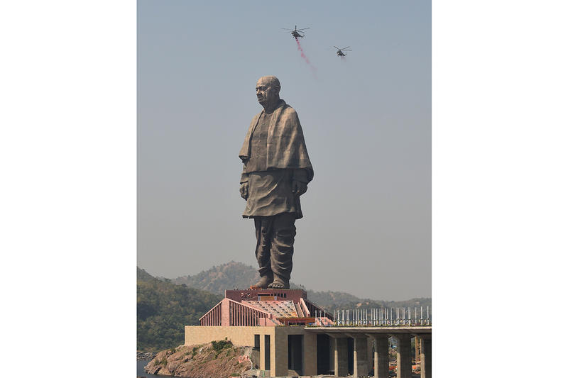 Sardar Vallabhbhai Patel World's Tallest Statue Built in India Info travel design architecture Michael Graves Architecture & Design Statue of Unity Kevadia India