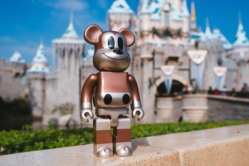 UNDEFEATED x Disney Mickey Mouse BE@RBRICK medicom toy 90th anniverasry 100% 400% collectible release date info price partners copper statue