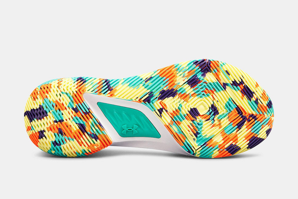 Under Armour Gets Colorful With Curry 5