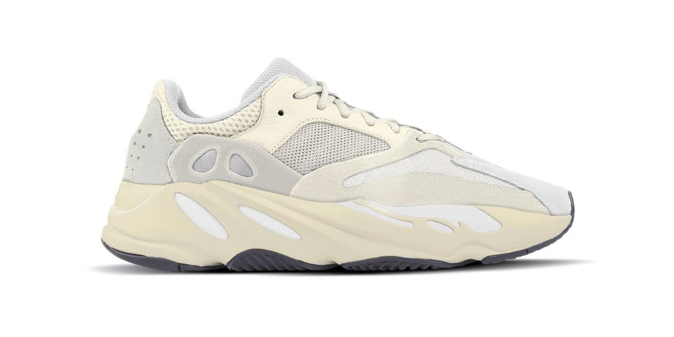 new product 9ccad 02f9d YEEZY BOOST 700