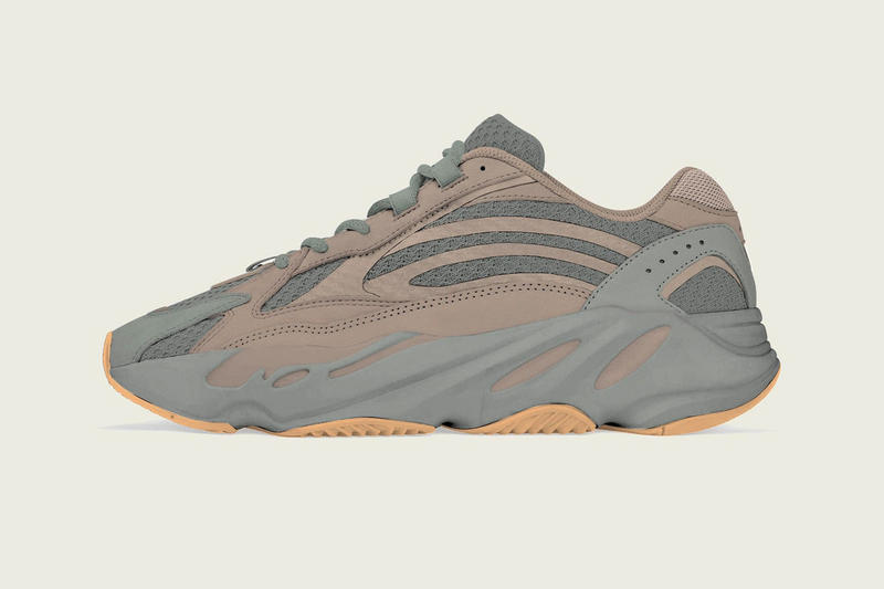 reputable site 11e59 56232 adidas YEEZY BOOST 700 V2