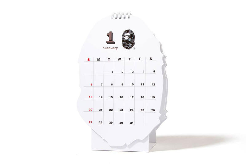 BAPE 2019 New Year's Gifts a bathing ape ape head red envelops chinese new year gold calendar