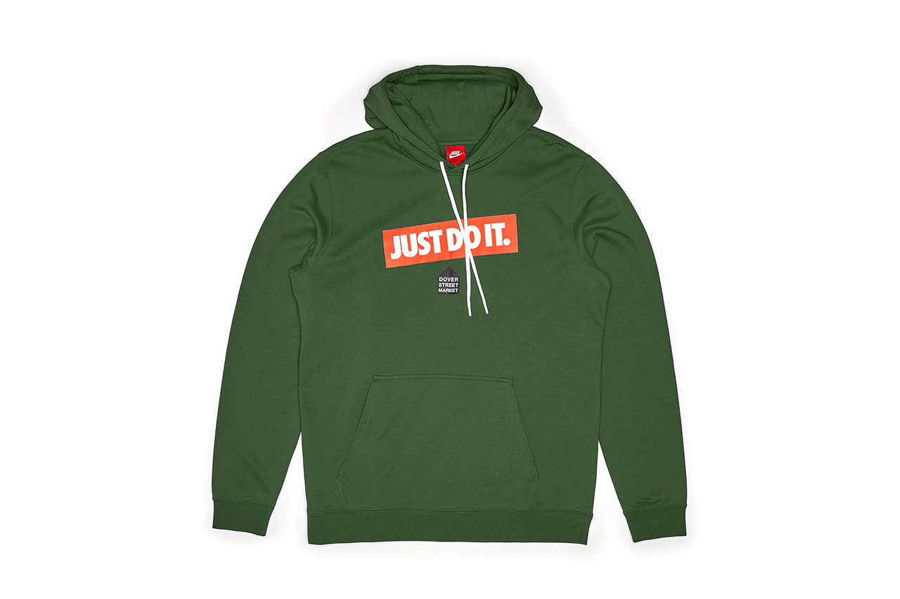 Weekly Drops Supreme Fall Winter 2018 Drop 19 Release Info Date Supreme Nike Stussy Dover Street Market DSM Stray Rats 3.1 Phillip Lim FILA 3sixteen Schott NYC KITH Aspen Oakley Columbia Union Capita Adidas Terrex Dr. Romanelli Medicom Toy Vapor Jet 4.0 Receiver Gloves Football