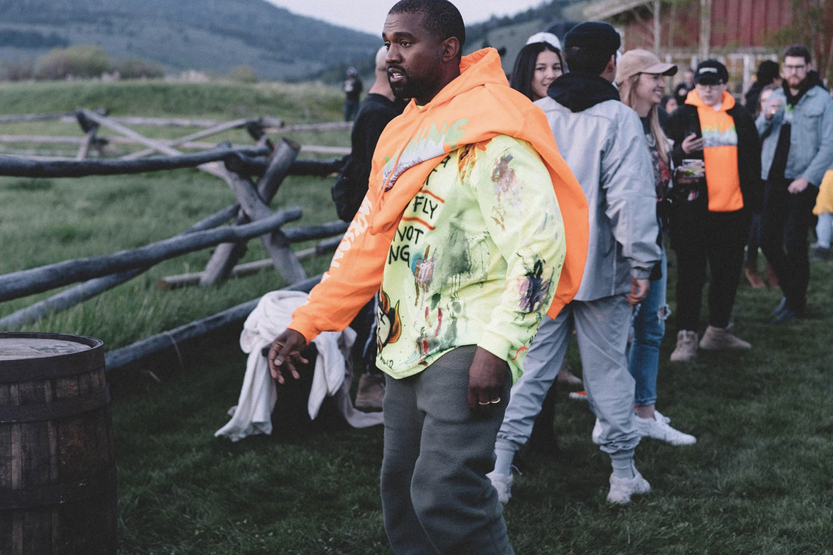 """UPDATE: Kanye West Now Accuses Travis Scott of Making """"Threats"""" After Calling Out Drake"""