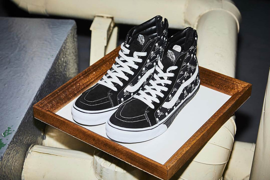 8f78d3e2dc0c23 mastermind JAPAN Gives the Vans Sk8-Hi a Skull-and-Crossbones Makeover