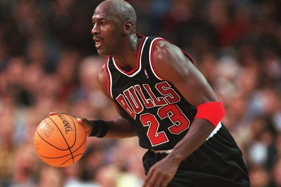 cheap for discount 4e655 843ff ESPN Shares First Trailer for Michael Jordan Documentary,  The Last Dance