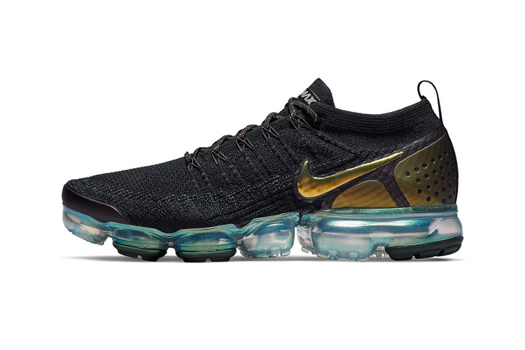 ae0723e63dd Nike Gives the Air VaporMax Flyknit 2.0 an Iridescent Teal Bubble Sole