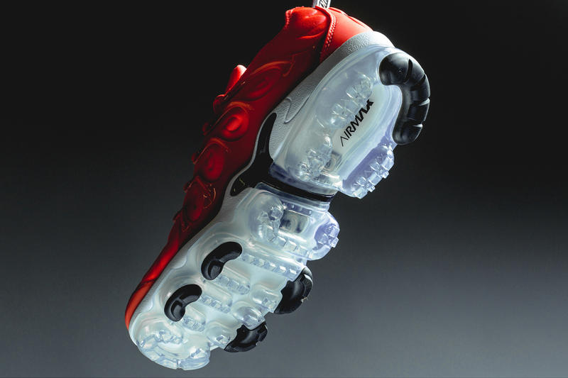 Nike Air Vapormax Plus Bright Crimson Black