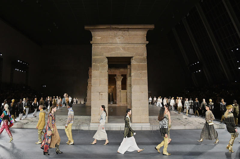 Chanel Métiers d'Art pre-fall 2019 pharrell runway fashion show metropolitan museum of art egypt temple of dendur