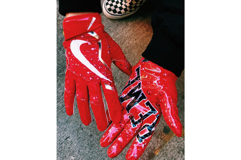 Supreme x Nike Vapor Jet 4.0 Football Gloves