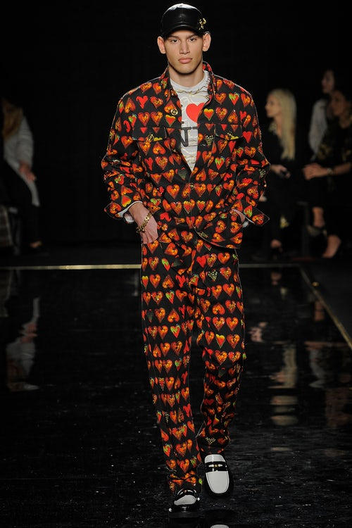 versace pre fall 2018 collection fw18 2019 winter autumn clothes first american show runway safety pin dress