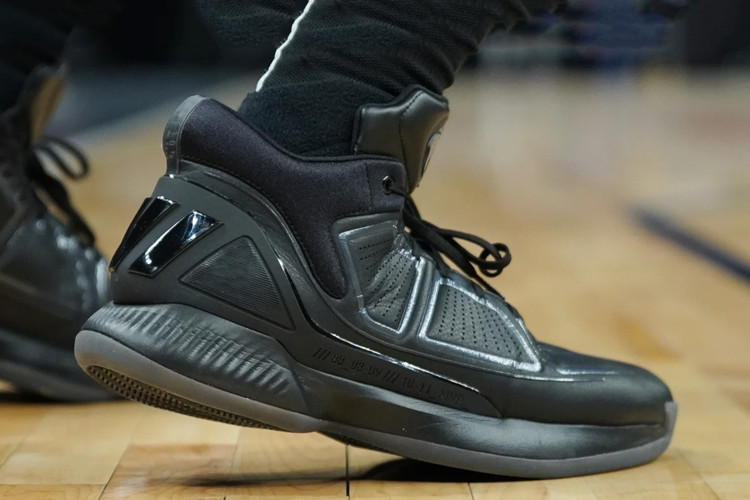fb2aaa383f42 Derrick Rose Debuts His 10th Signature Adidas Sneaker