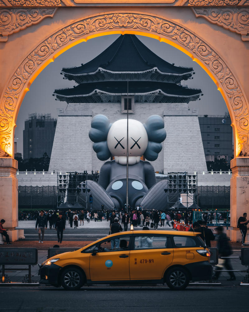 KAWS 'KAWS:HOLIDAY' Sculpture Taipei Taiwan