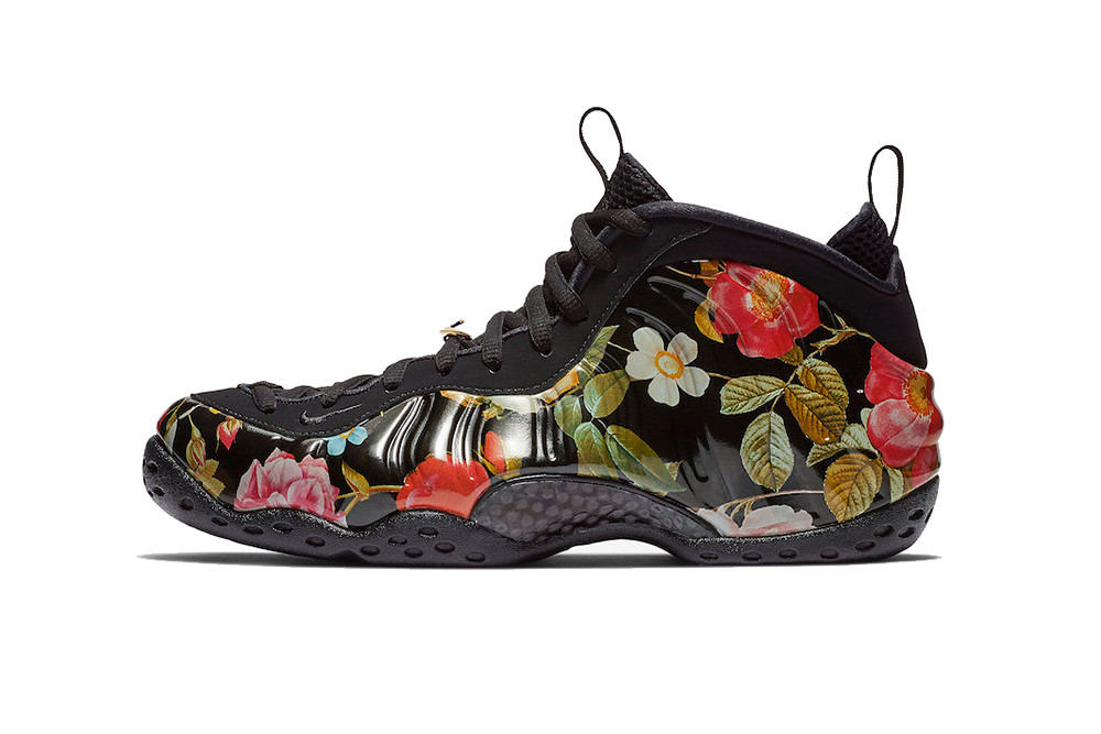 Wmns Air Foamposite One Particle Beige NikeAA3963 ...