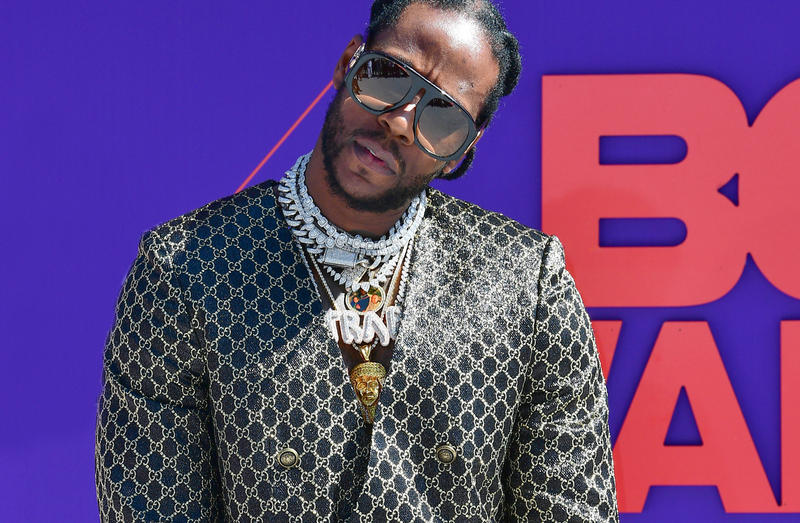 2 Chainz Blasts Nike for Ripping off Album Cover Pretty girls like trap music Nike swoosh
