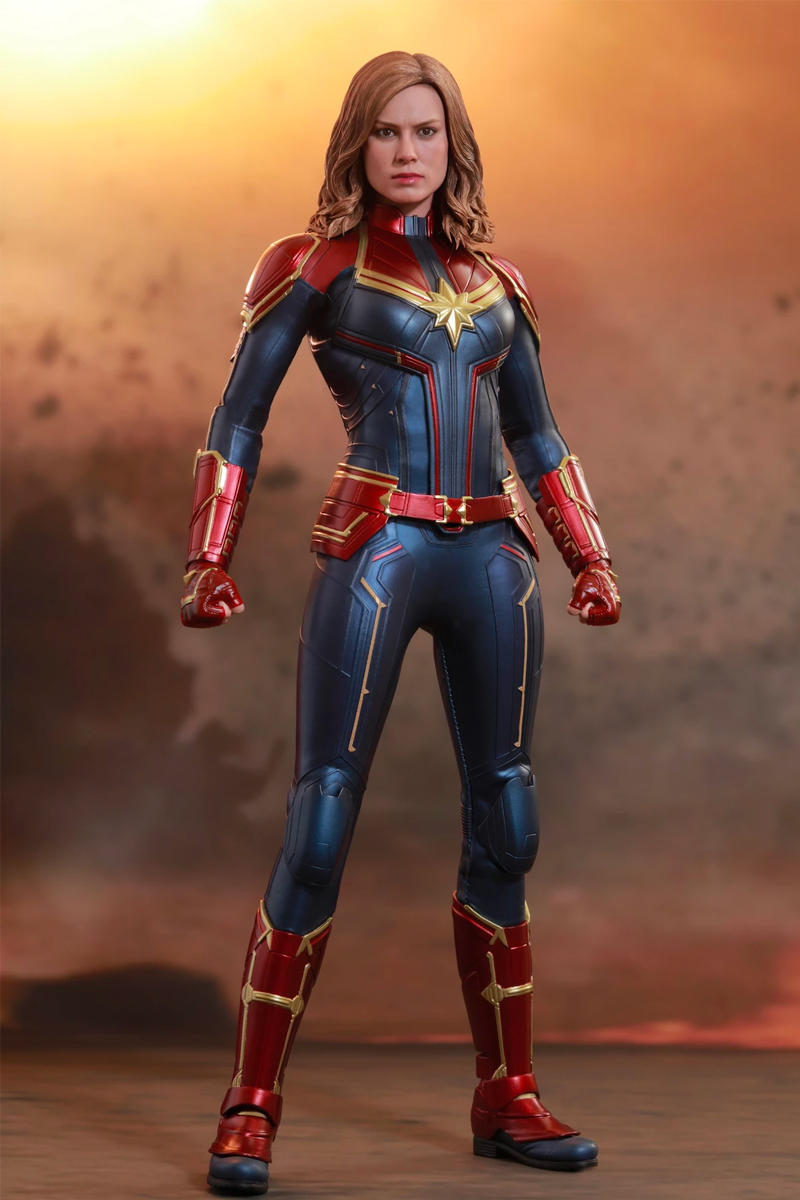Hot Toys Captain Marvel Figure Special Edition 1/6th scale collectible Marvel Studios cinematic universe