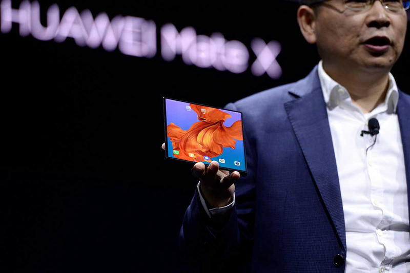 huawei mate x 5g foldable smartphone